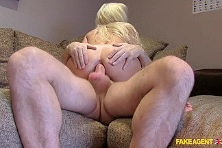 Cindy in Smoking hot blonde gives ass for cash - FakeAgentUk