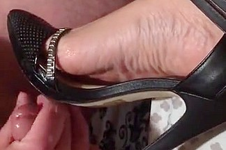 Cumming on gfs new sexy heels