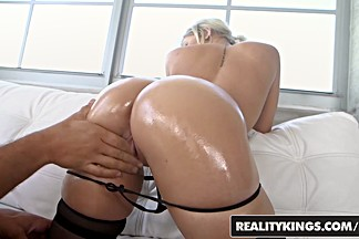 RealityKings - Monster Curves - Ramon Nomar Veronica Dean - Coochie In The Kitchen