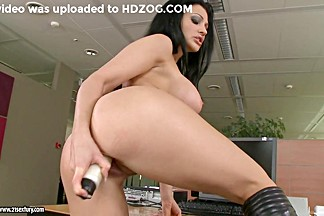 Aletta Ocean thumps her awesome fingers deep in her juicy shaved snatch