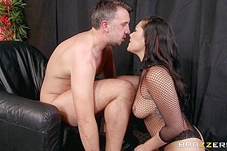 Big Butts Like It Big: Smothered By A Stripper. London Keyes, Keiran Lee