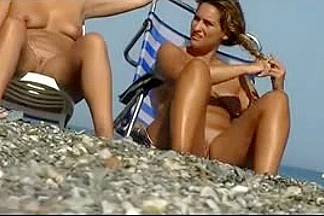 Nude Beach - More Boobs, Bums & Pussy Shows