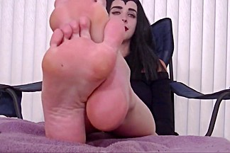 Brunette with amazing feet