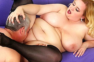 Nikky Wilder in Sexy Blond Plumper Nikki Takes Cock - JeffsModels
