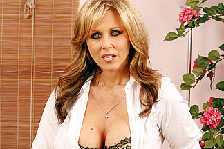Julia Ann & Marco Banderas in Naughty Office