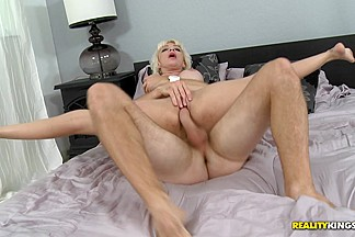 MilfHunter - Jizz for juju