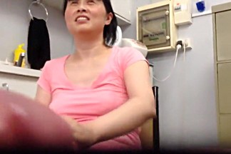 jerking off in front of Chinese therapist till it cum