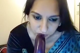 Indian Mature Housewife Teasing In Web Camera